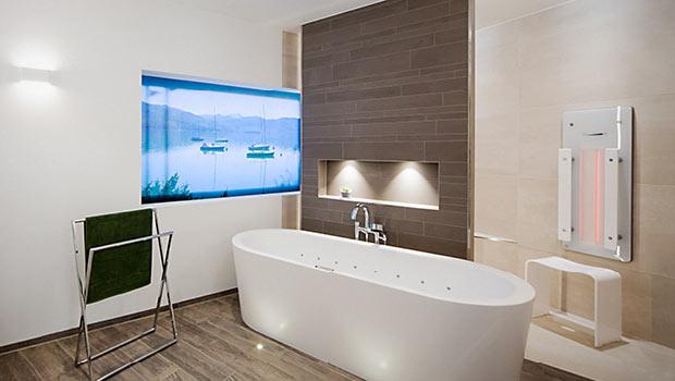Freistehende Badewanne mit Whirlpool Funktion
